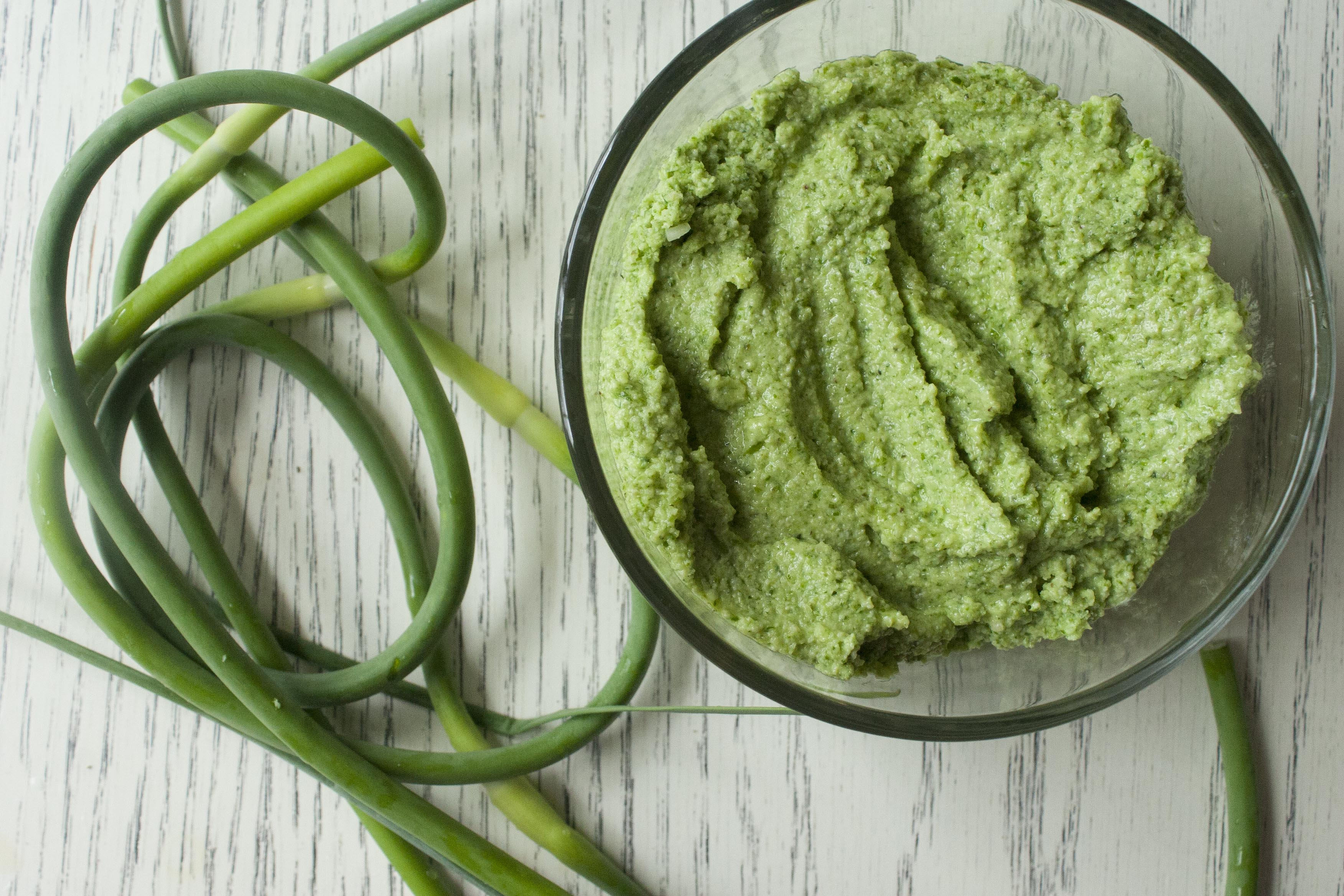 Blended Garlic Scape & Hemp Seed Pesto. www.lifeaswecookit.com