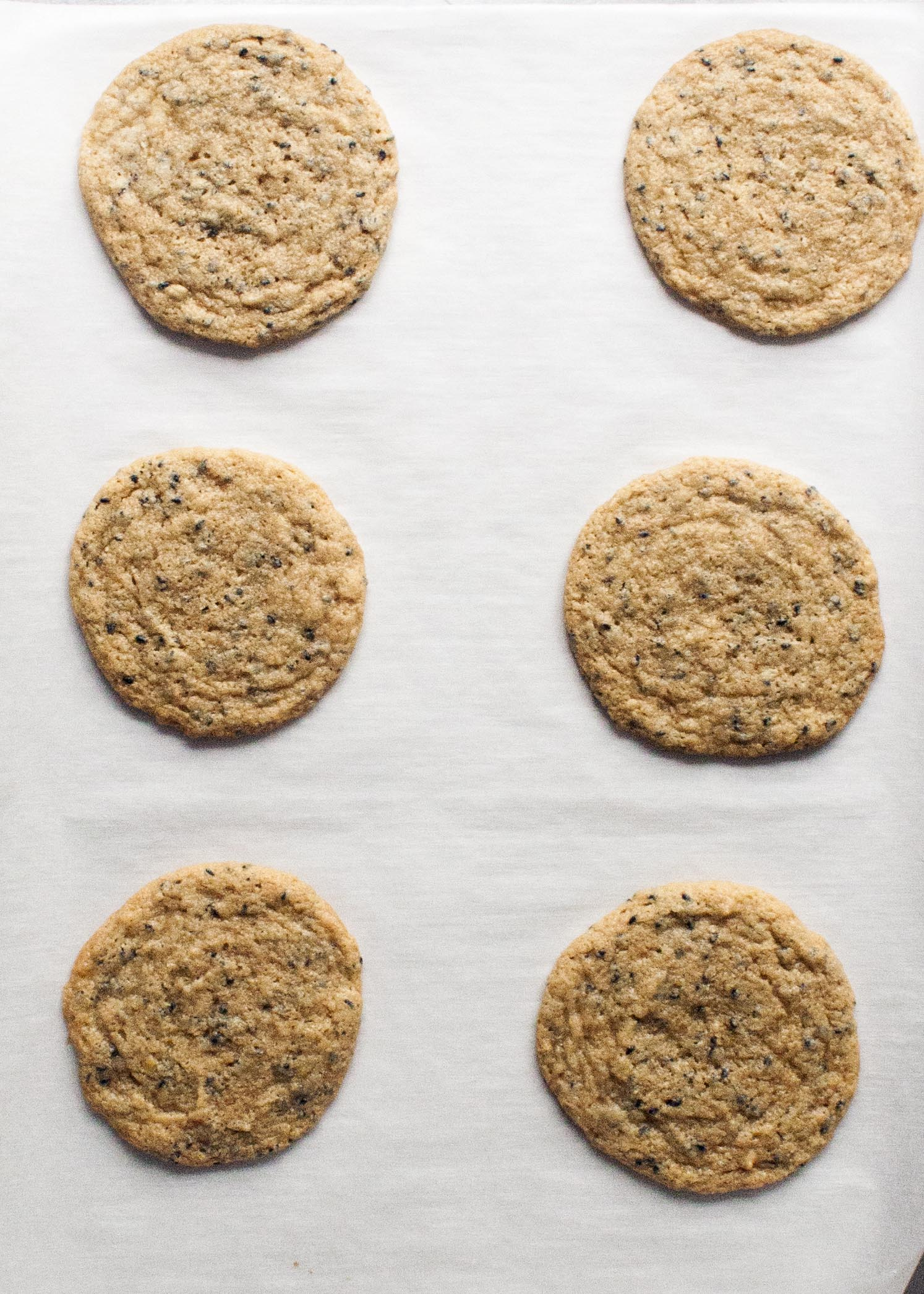 Baked Chewy Triple Sesame Cookies. www.lifeaswecookit.com
